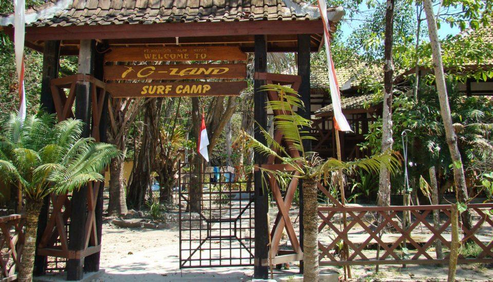 entrada do g-land surf camp