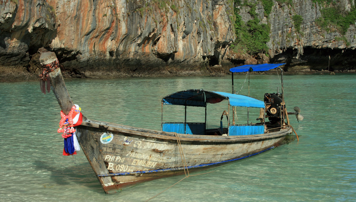 Long tail boat na Tailândia
