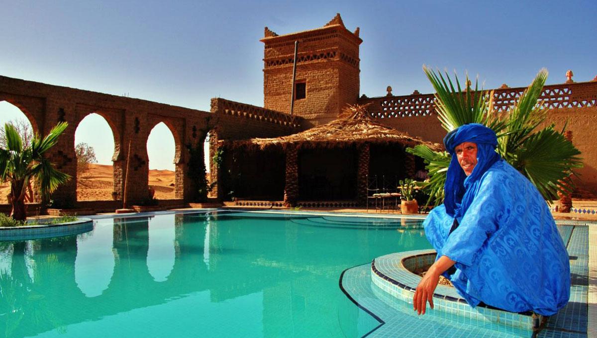 hotel em merzouga marrocos auberge du sud hot is marrocos. Black Bedroom Furniture Sets. Home Design Ideas