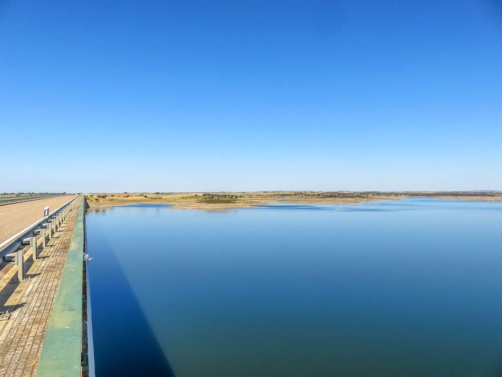 Ponte na estrada do Alqueva