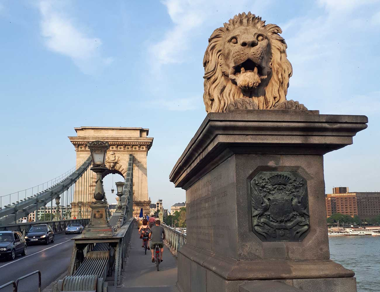 budapeste chain bridge