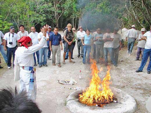 cerimonia maya tikal