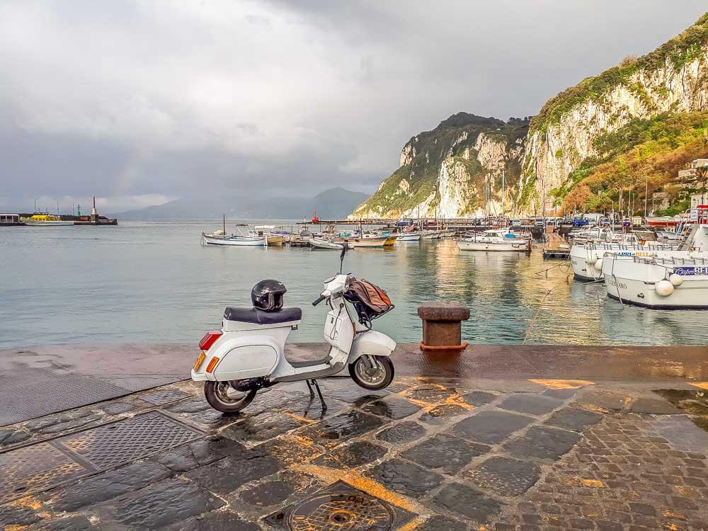 Vespa em Capri