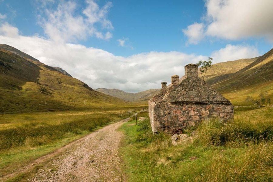 Estrada de terra na Escócia