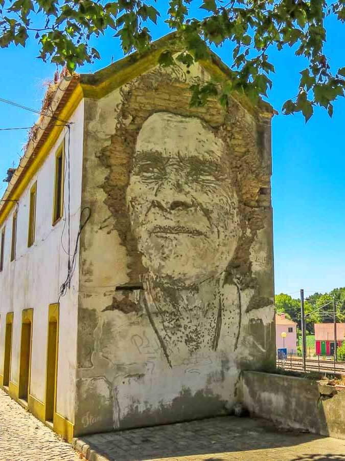 Vhils, arte urbana em Estarreja