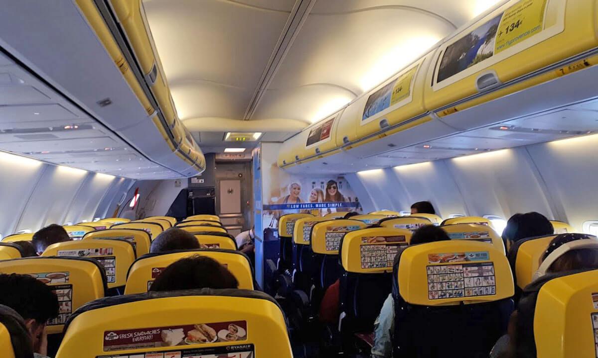 Faro avião ryanair
