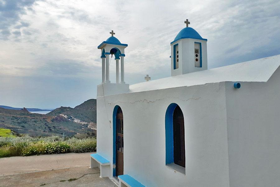 Igreja em Milos, Grécia