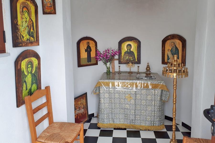 Interior capela Milos