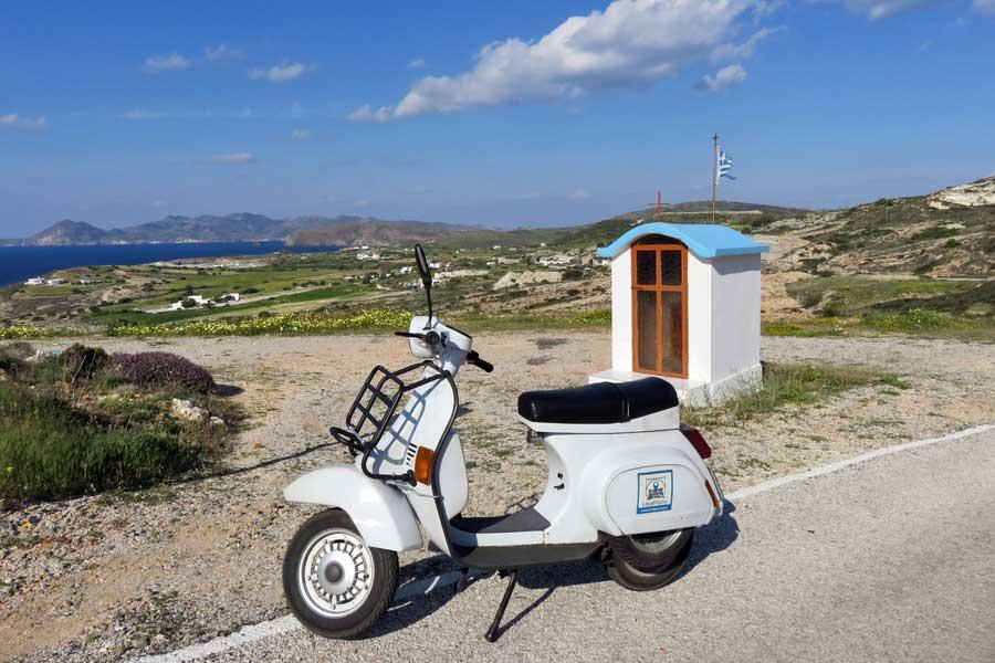 alugar mota em Milos